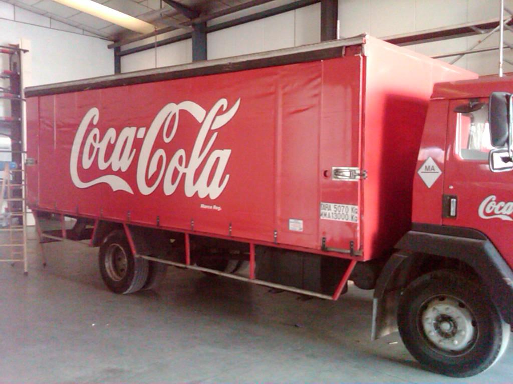 Nuestros trabajos toldos para cami n for Toldos para camiones