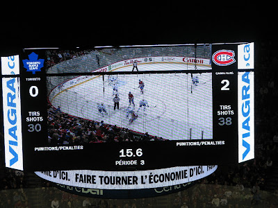 photo of the Jumbotron with the final score of 2-0 Habs
