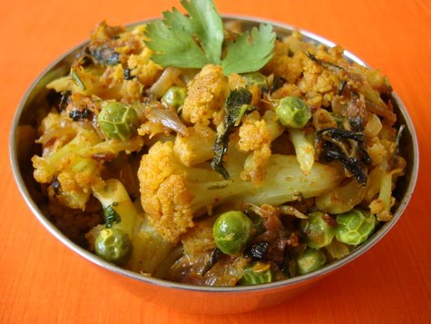 Aloo gobi without onion and garlic home cooked food namrata aloo gobi without onion and garlic forumfinder Choice Image