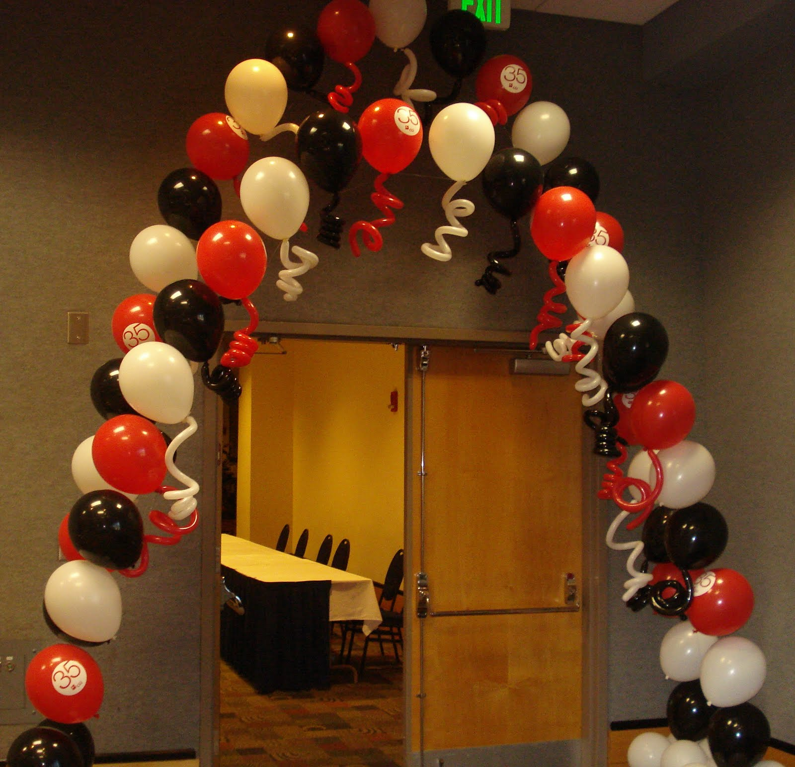 The Twisted Flower: Decorating With Balloons