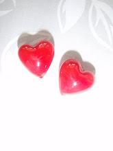 Hjerter i glass , de går lett i stykker om man ikke behandler dem pent !