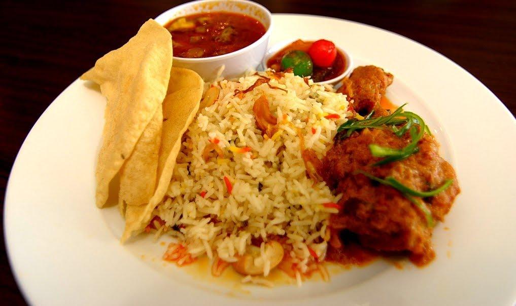 Hidangan Nasi Beriani Ayam