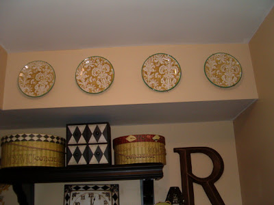 Decorating with Plates - Southern Hospitality