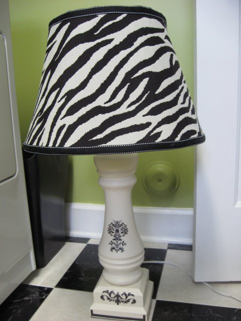 covering a lampshade with fabric