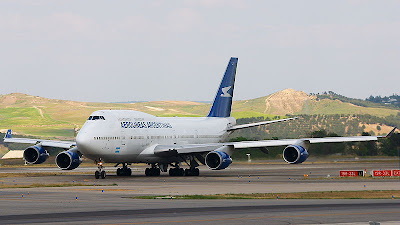 Boeing B747-400 Apache 004