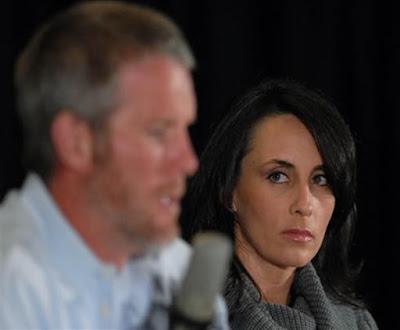 funny deanna favre, deanna favre stands by her man,brett