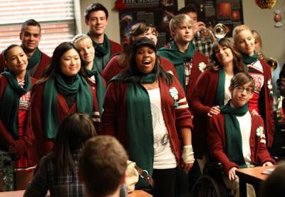 Glee Season 2 Episode 10 - A very glee Christmas