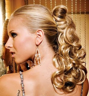 Modern+ponytail+for+curly+hair+styles+2010 Modern Pony tail hairsyles for Women for Summer 2010