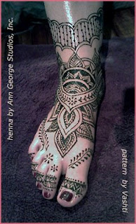 henna tattoo for the foot traditional pattern