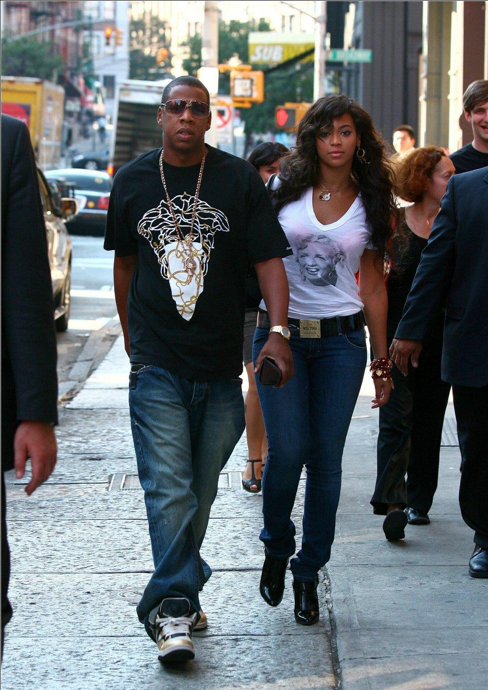 Jay Z Mother and Sister http://www.relevantmindset.net/2011/01/jay-z-to-own-chicken-wing-spot-buffalo.html