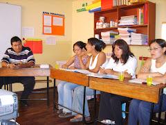 Compartiendo experiencias con las profesoras del colegio Pestalozzi