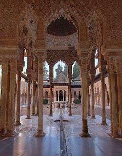 La Alhambra de Granada - Patio de los Leones