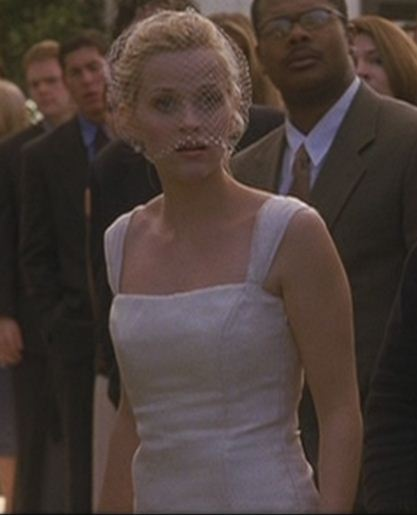 reese witherspoon veil in sweet home alabama. The simplicity of her trumpet gown and Russian netting veil creating a