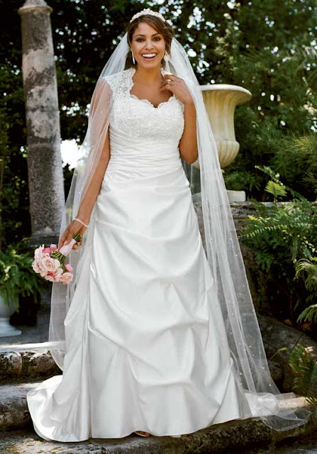 The ethereal bride inspiration and style for your trip for Wedding dresses for apple shaped body