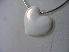The opalescent heart pendant