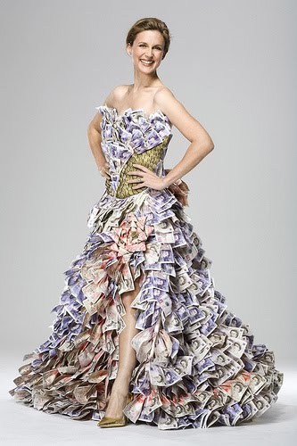 http://2.bp.blogspot.com/_98JMiAWs6fA/TEEzWrBoECI/AAAAAAAAAZ0/sudmjYiYbxA/s1600/money+dress.jpg