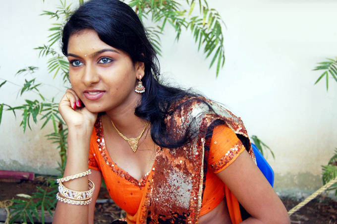 akshida in saree unseen hot photoshoot