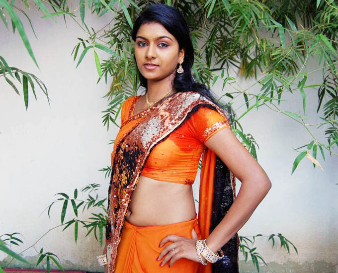 akshida in saree unseen photo gallery