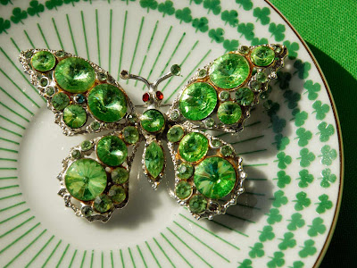 vintage Weiss green rhinestone butterfly pin