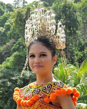 Miss Fair & Lovely 2009 Kumang Gawai