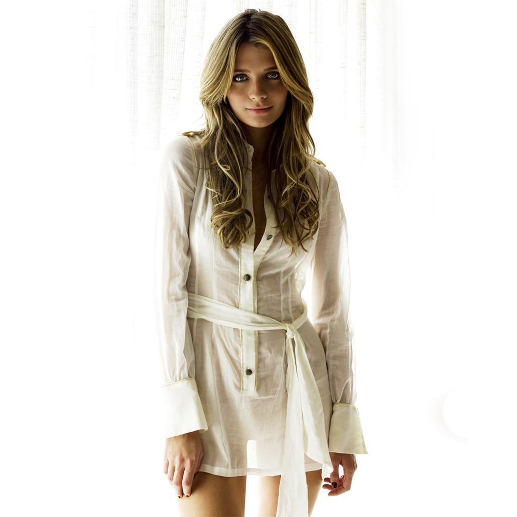http://2.bp.blogspot.com/_9DRIQ9xf9U4/TJlSEcf50ZI/AAAAAAAABCE/BiI1aRhubb4/s1600/female-celebrities-free-wallpapers008-Mischa_Barton_sexy.jpg