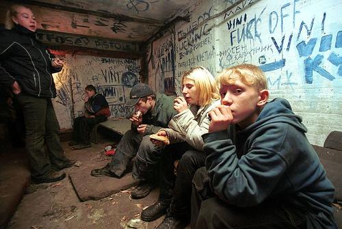 girls smoking meth