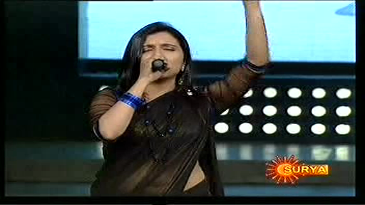 Singer+shreya+ghoshal+hot+navel+show+in+stage+program