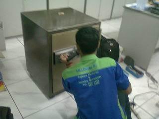 Bongkar brankas Iciban di Mega Buana Pancarona JATAKE Tangerang