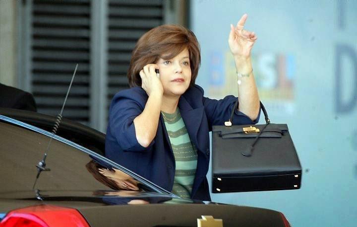 [Dilma+e+sua+bolsa+Kelly.jpg]