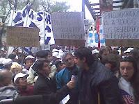 Trabajadores de Terrabusi luego de la reunión en el Ministerio de Trabajo - 07/09/09