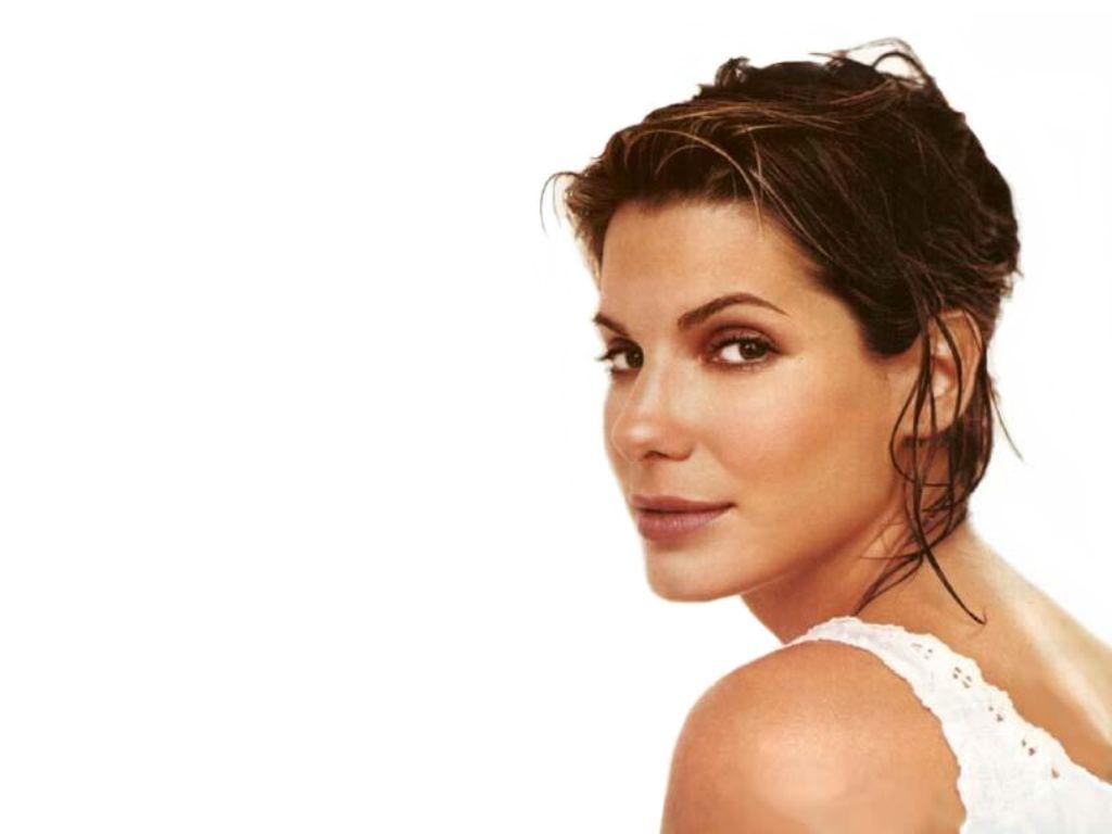 http://2.bp.blogspot.com/_9Izdq8bedtQ/TVIS9yO8s5I/AAAAAAAAjrQ/JbvpcvGQAH0/s1600/Sandra-Bullock-74.JPG