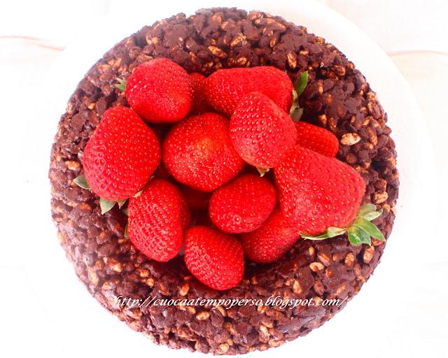 Corona di riso soffiato cioccolato mou e fragole