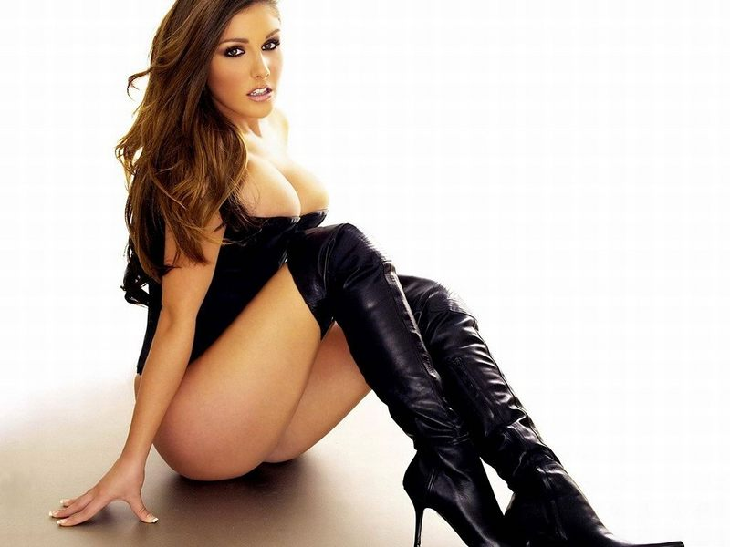 lucy pinder without makeup