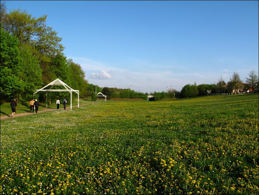 cergipontin cergy le haut 95 la coulee verte the green yard. Black Bedroom Furniture Sets. Home Design Ideas
