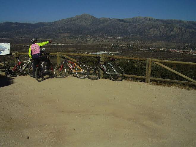Nosotros y nuestras burras en la Sierra Madrileña