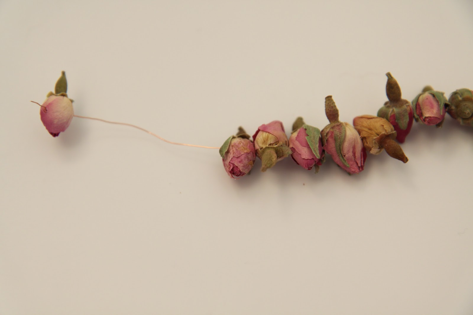 Идеи из сухих роз фото