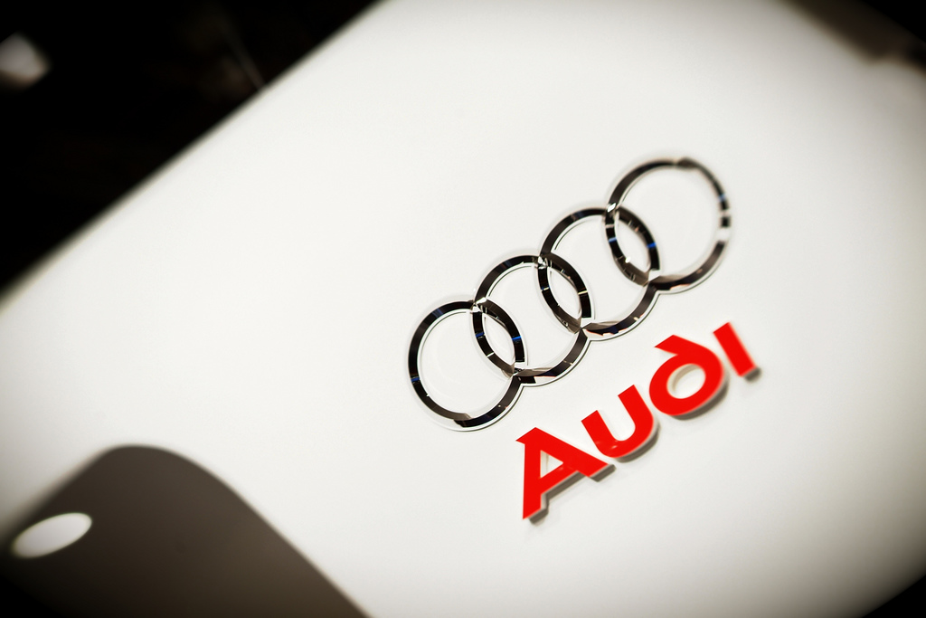 audi logo wallpaper badge