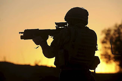 Kompaknya Tentara Afghanistan dan Taliban Rayakan Idul Fitri