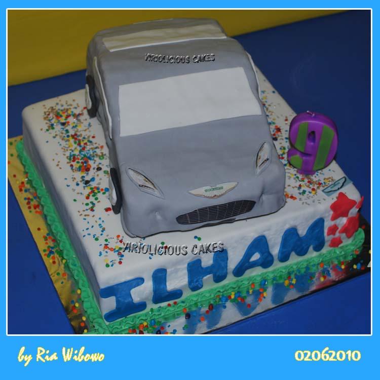 Viriolicious Cakes Aston Martin Cake