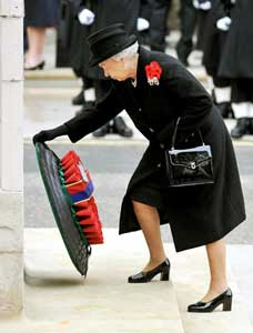 Queen Elizabeth on Remembrance Sunday 2009