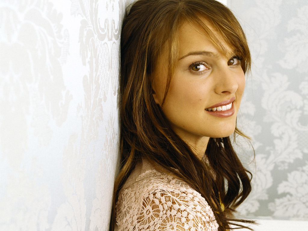 Wallpaper World: Natalie Portman Photos