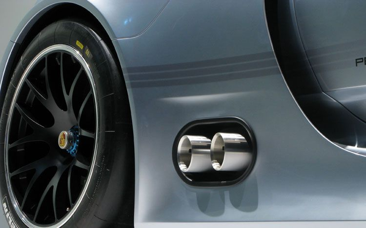 2011 Detroit Auto Show: Porsche 918 RSR Hybrid Photos
