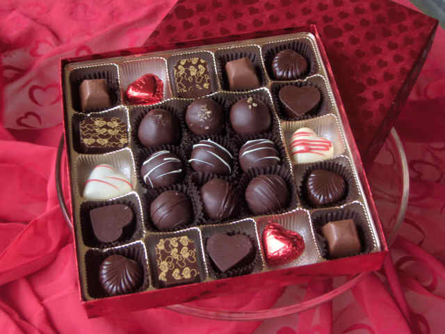 Chocolate paradise the online chocolate store valentine for Gift for girlfriend valentine