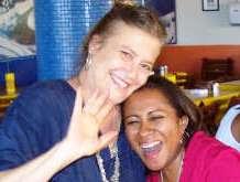 A roteirista Iara Sydenstricker e a professora Cristiane Britto.