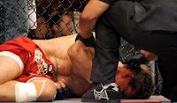 UFC 100 - Frank Mir nocauteado