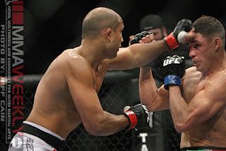 UFC 107 - BJ Penn vence Diego Sanchez