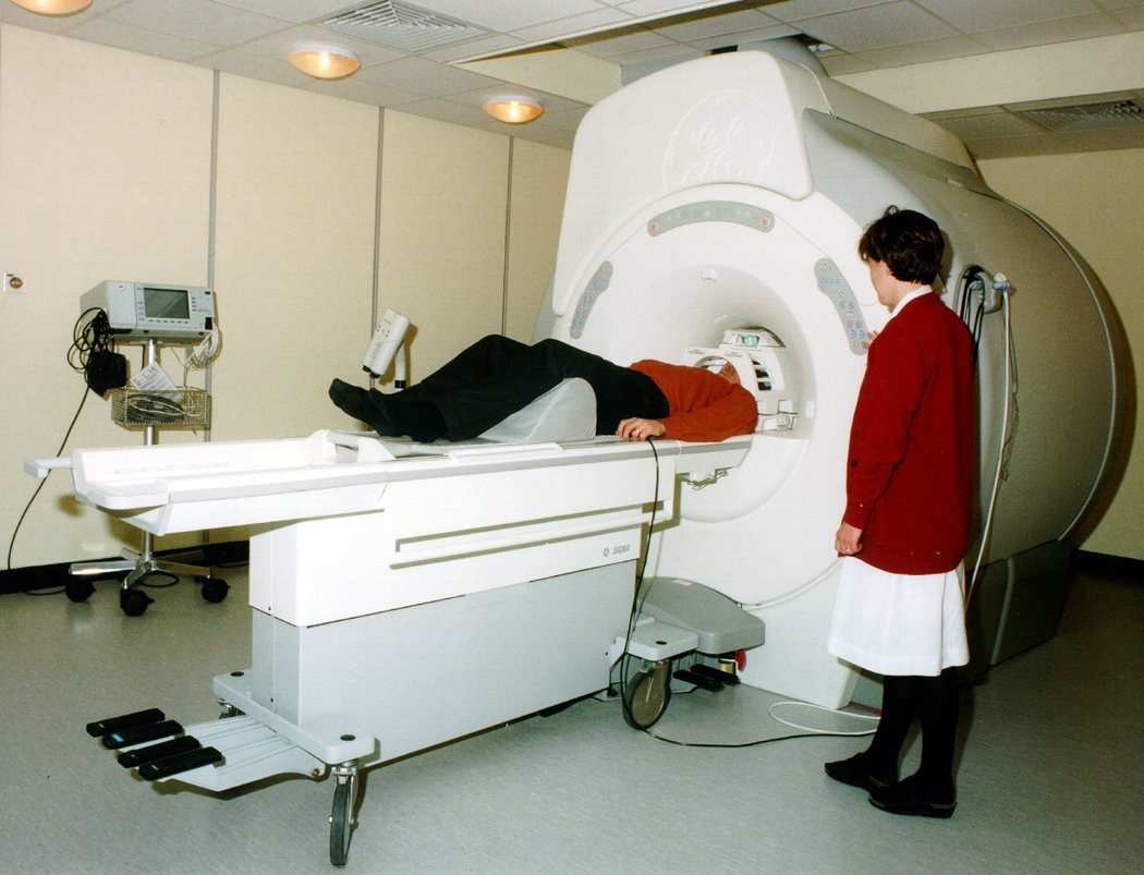 mri scanner The 20 adults with autism, together with 20 control adults, all underwent a ...