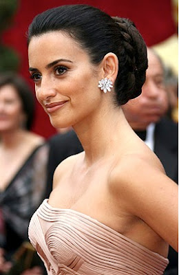 Penelope Cruz Hair, Long Hairstyle 2013, Hairstyle 2013, New Long Hairstyle 2013, Celebrity Long Romance Hairstyles 2154