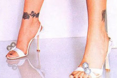 alyssa milano foot tattoo