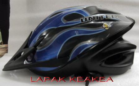 LAPAK KEAKEA HELM UNITED F33 TYPHOON
